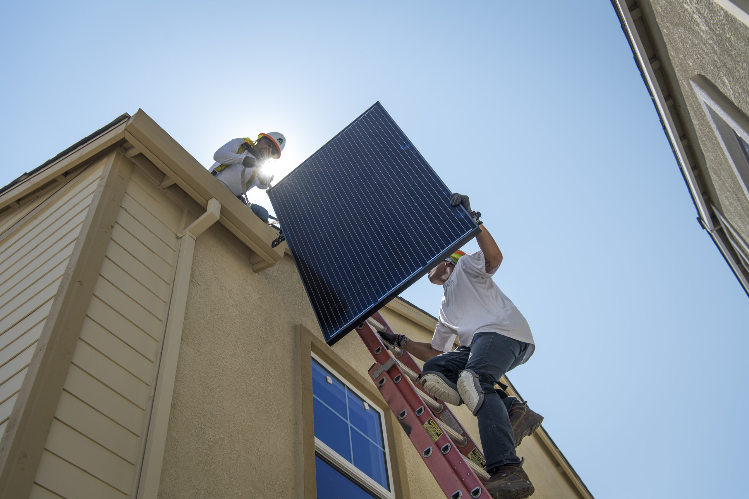 Inside Clean Energy: The Coast-to-Coast Battle Over Rooftop Solar